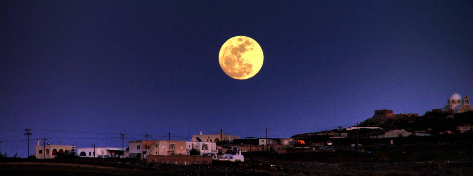 Full Moon in Aquarius – Embracing Uniqueness